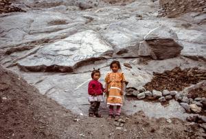 2 fillettes à Leh